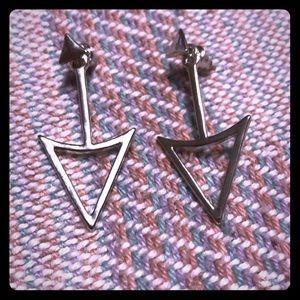 NWOT ❤️ ARROW EARRINGS ❤️
